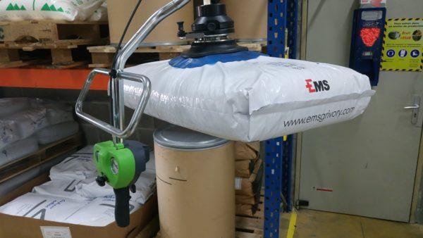 Vacuum manipulator in construction