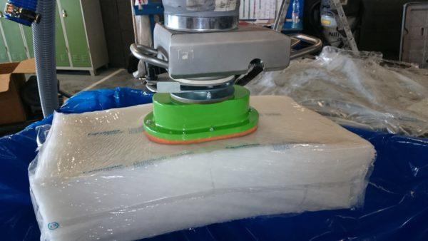 Vacuum manipulator in industrial production